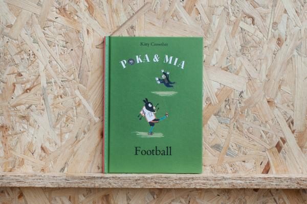 Poka and Mia: Football