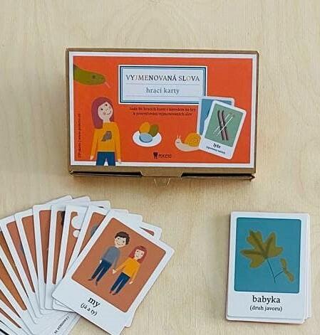 Hrací karty s vyjmenovanými slovy